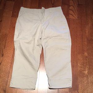 Great basic crop pants. Stretch waist band